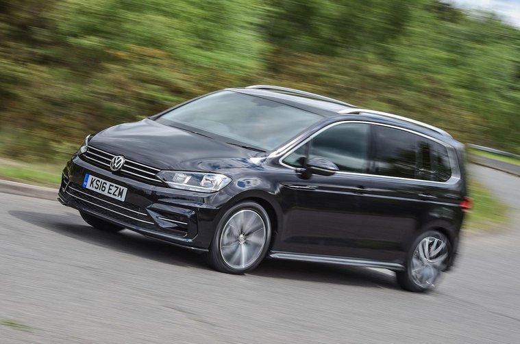 Volkswagen Touran front cornering