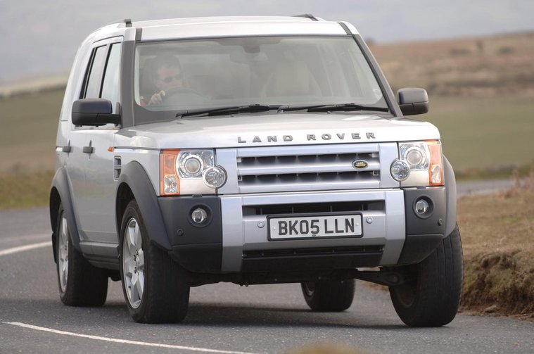 8: Land Rover Discovery (2004 – 2017)