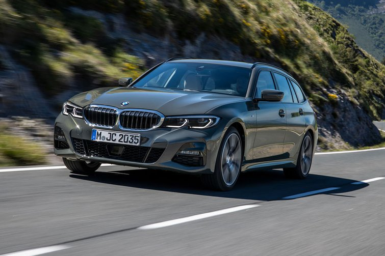 2019 BMW 3 Series Touring front