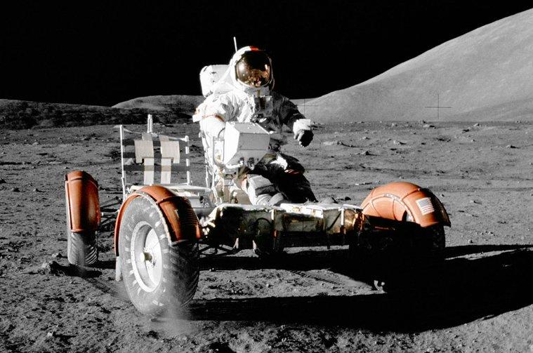 Luna Rover driving