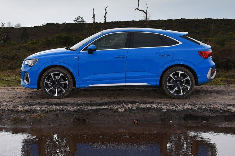 LT Audi Q3 Sportback in profile