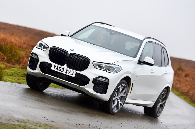 BMW X5 45e front cornering - 69-plate car