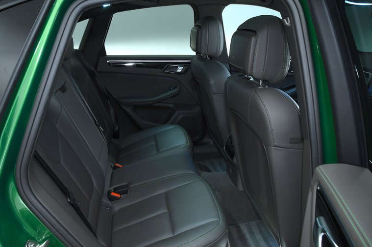 Porsche Macan S rear seats