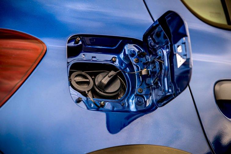 Dacia Sandero Stepway fuel caps