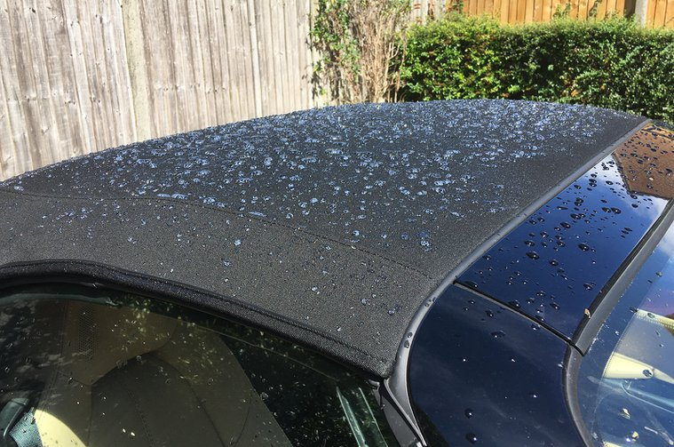 LT Mazda MX-5 roof cleaning