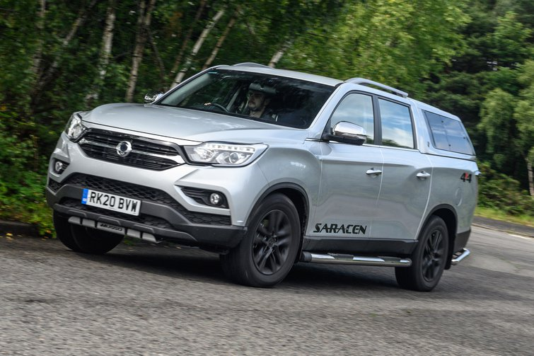 Ssangyong Musso driving