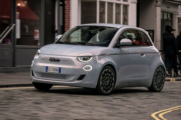 Fiat 500 Electric 2020 front tracking