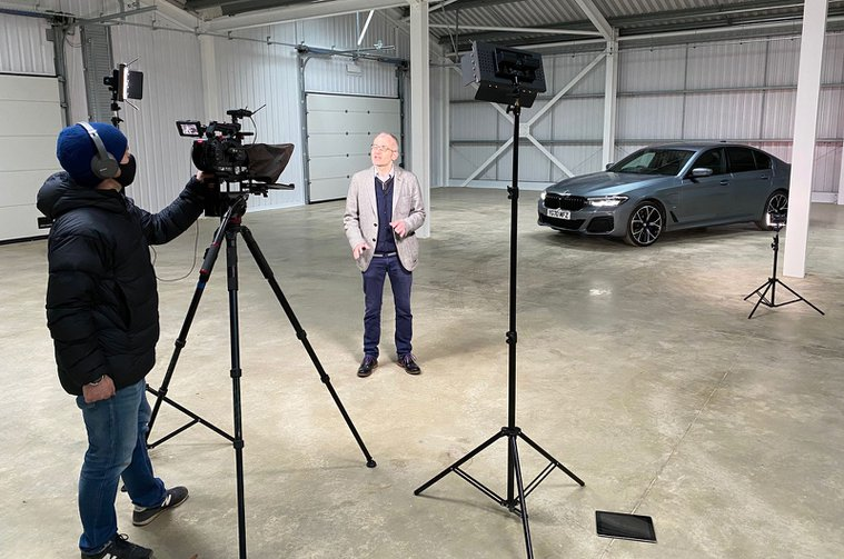 LT BMW 530e talking heads Car of the Year shoot