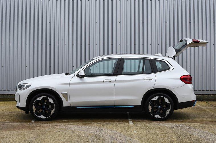 BMW iX3 2021 boot open