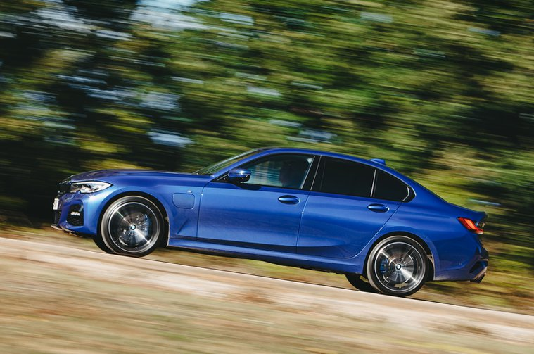 Electric Car of the Year Awards 2021 - BMW 330e