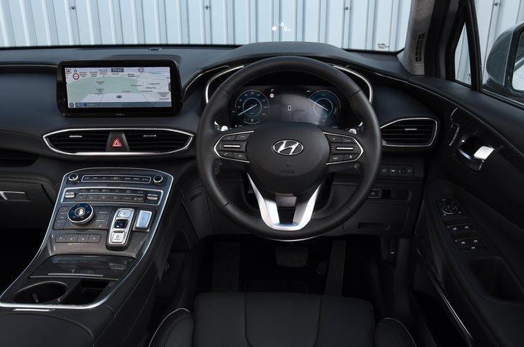 Hyundai Santa Fe 2021 dashboard