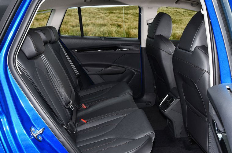 Skoda Enyaq iV 2021 rear seats