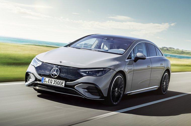 Mercedes EQE 2022 front