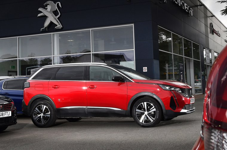 Used Car of the Year 2022 winner - Peugeot 5008