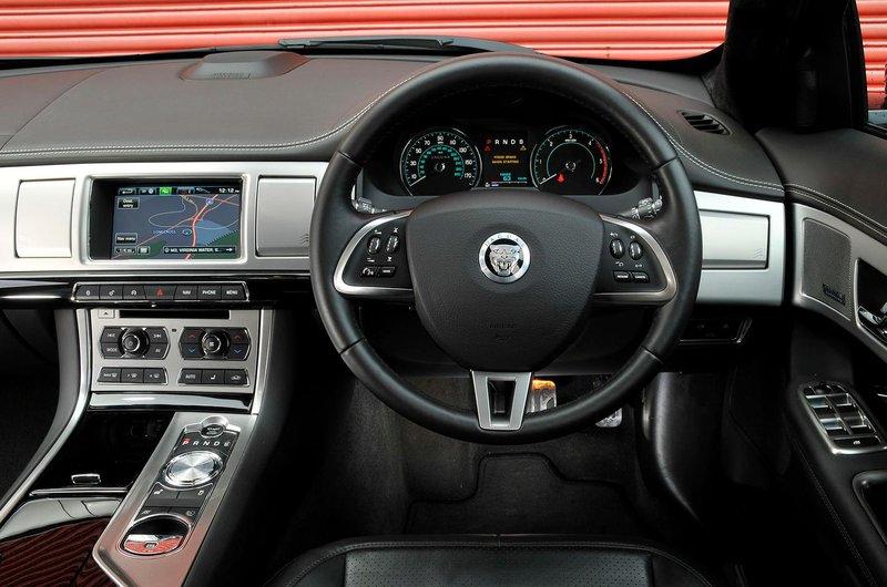 06. Jaguar XF