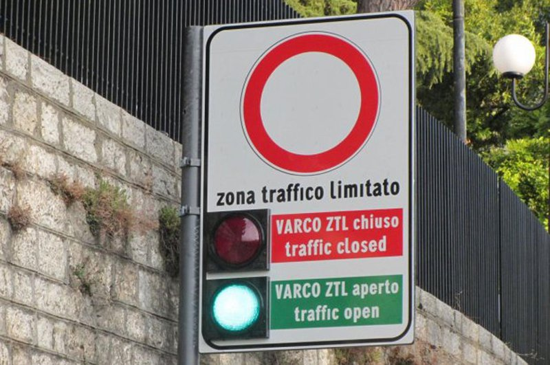 Italian low emission zone sign