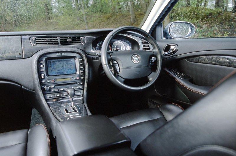 Jaguar S-Type interior