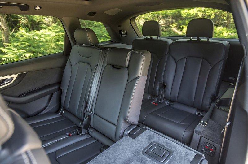 Audi Q7 interior