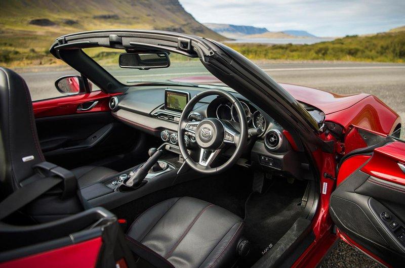Mazda MX-5 interior