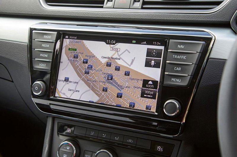 Skoda Superb Columbus infotainment system