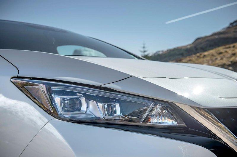 Nissan Leaf lights