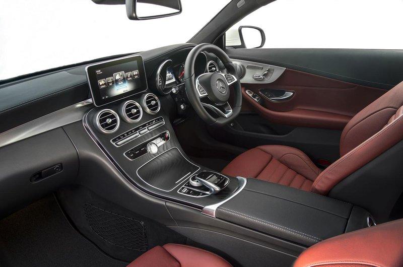 Mercedes-Benz C-Class Coupé interior