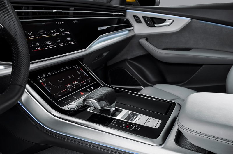 Audi Q8 touchscreens