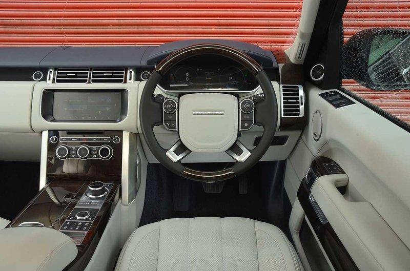 Range Rover dashboard