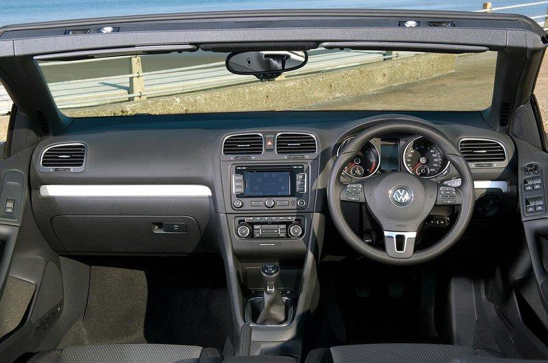 Volkswagen Golf Cabriolet interior