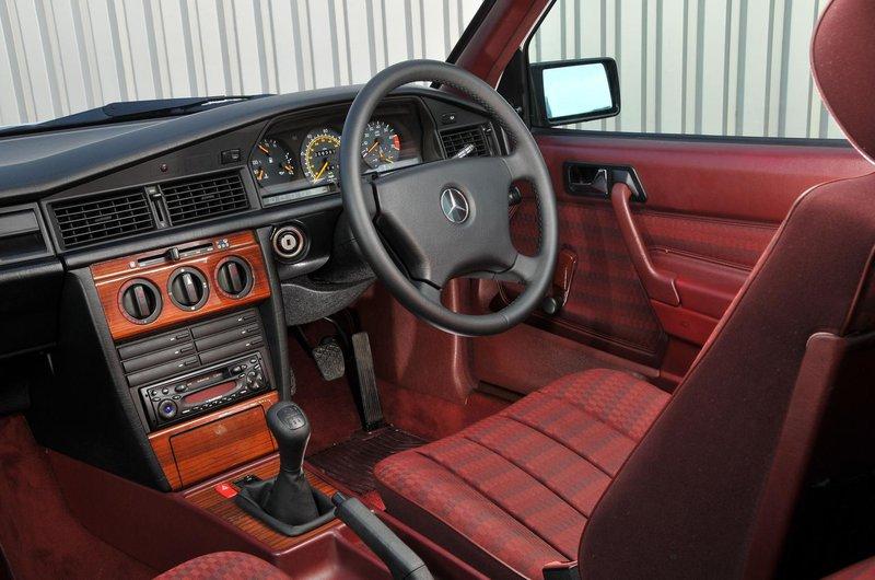 Mercedes 190 interior