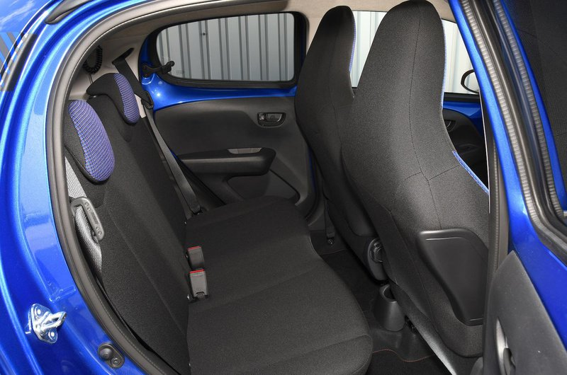 Citroën C1 Urban Ride rear seats