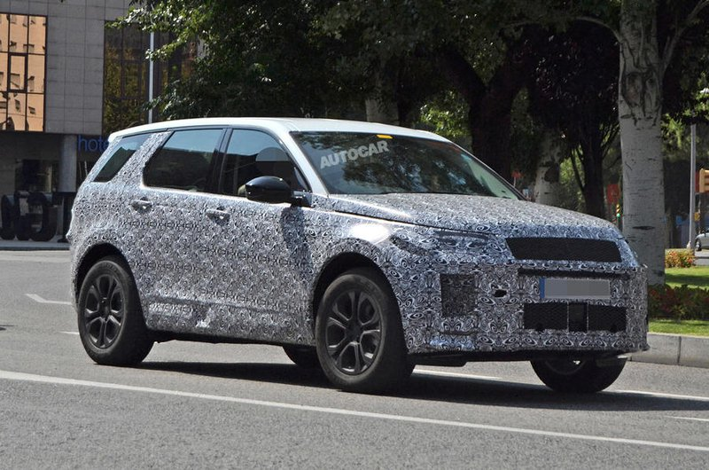 2019 Land Rover Discovery Sport spy shot