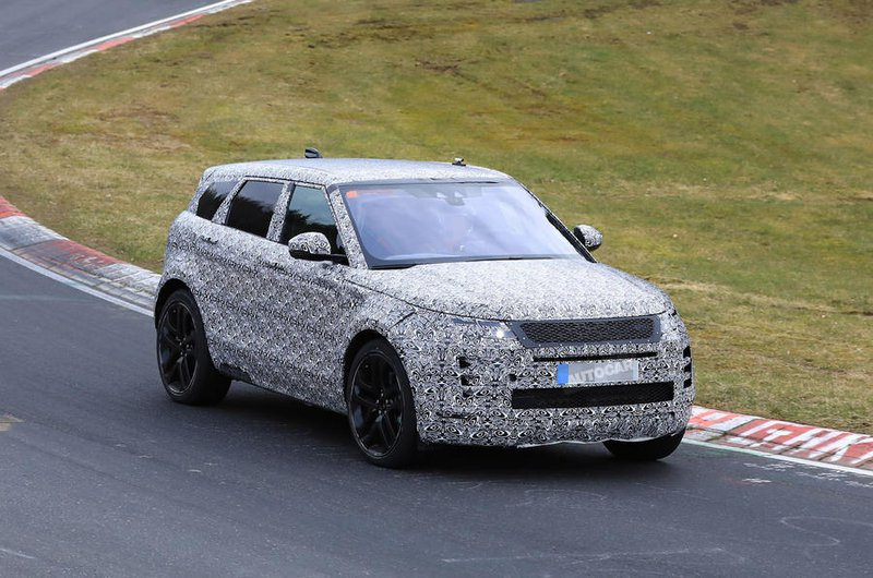 2019 Range Rover Evoque spy shot