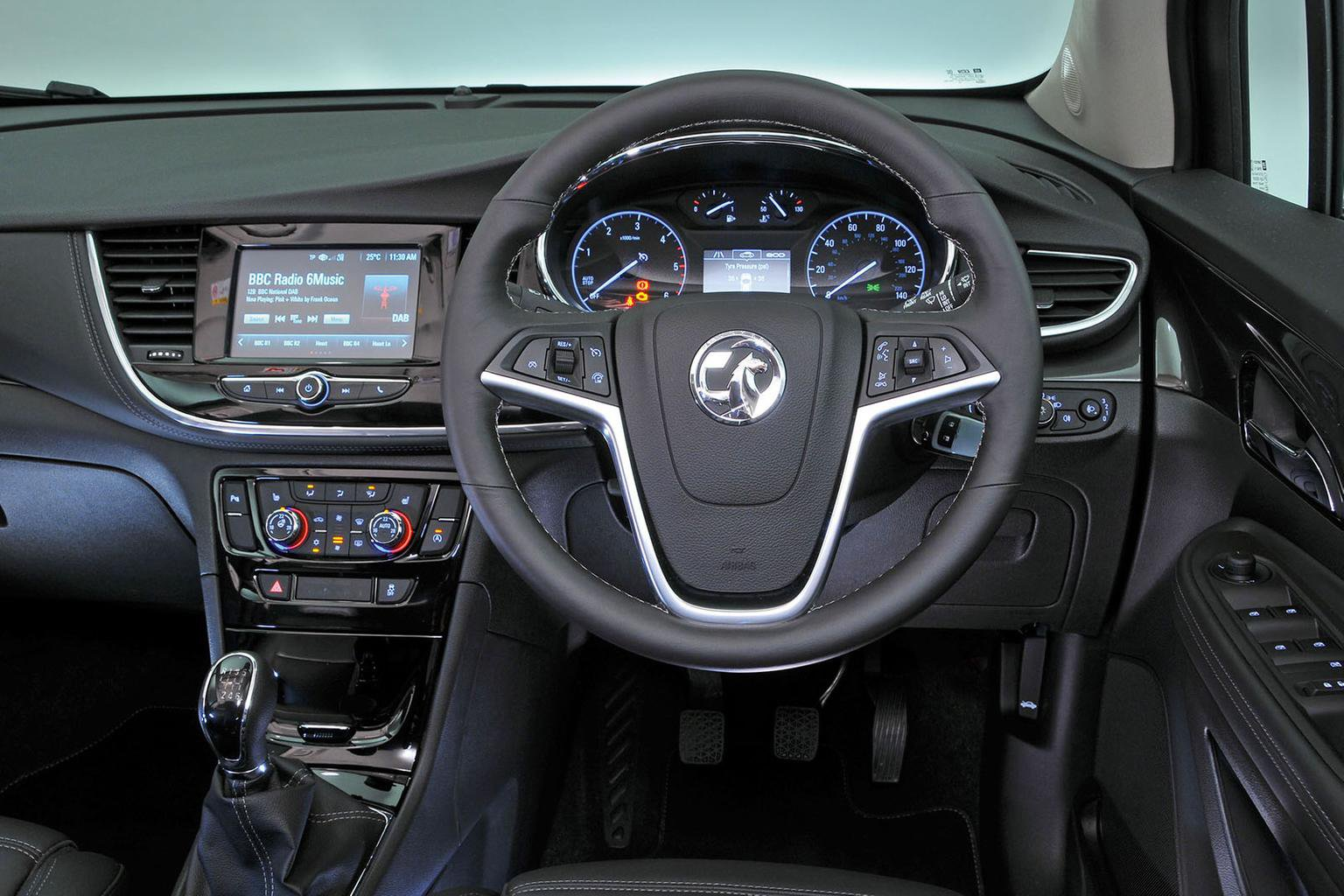 Nissan Qashqai vs Seat Ateca vs Vauxhall Mokka X