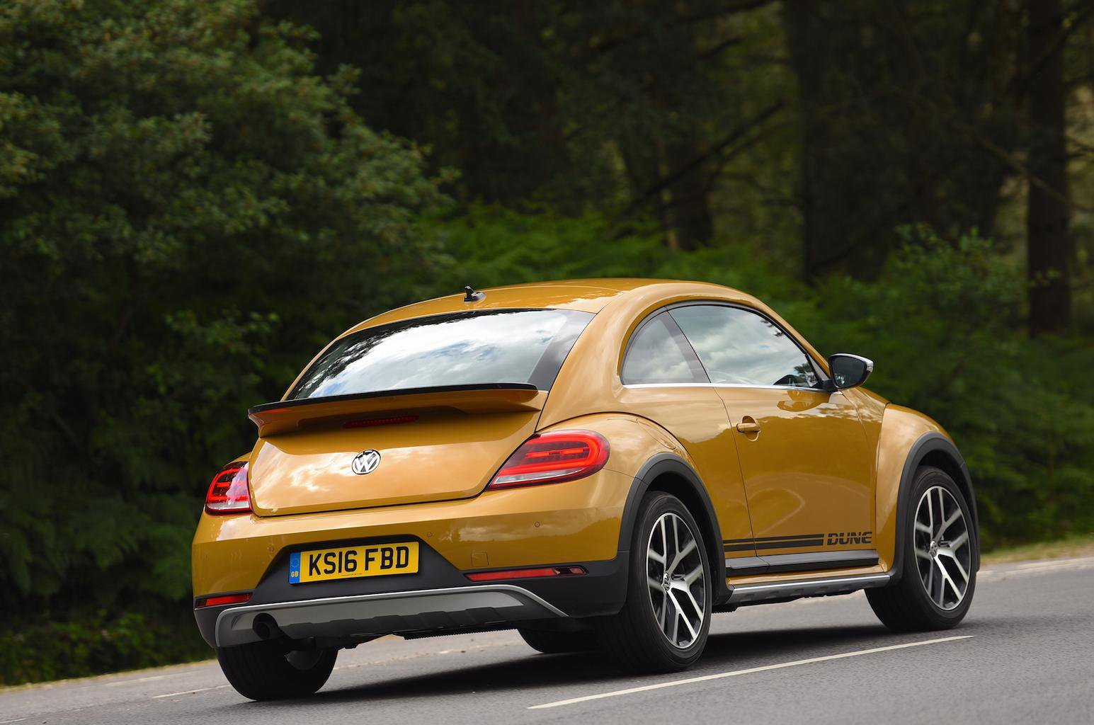 2016 Volkswagen Beetle 12 Tsi 105 Dune Review What Car
