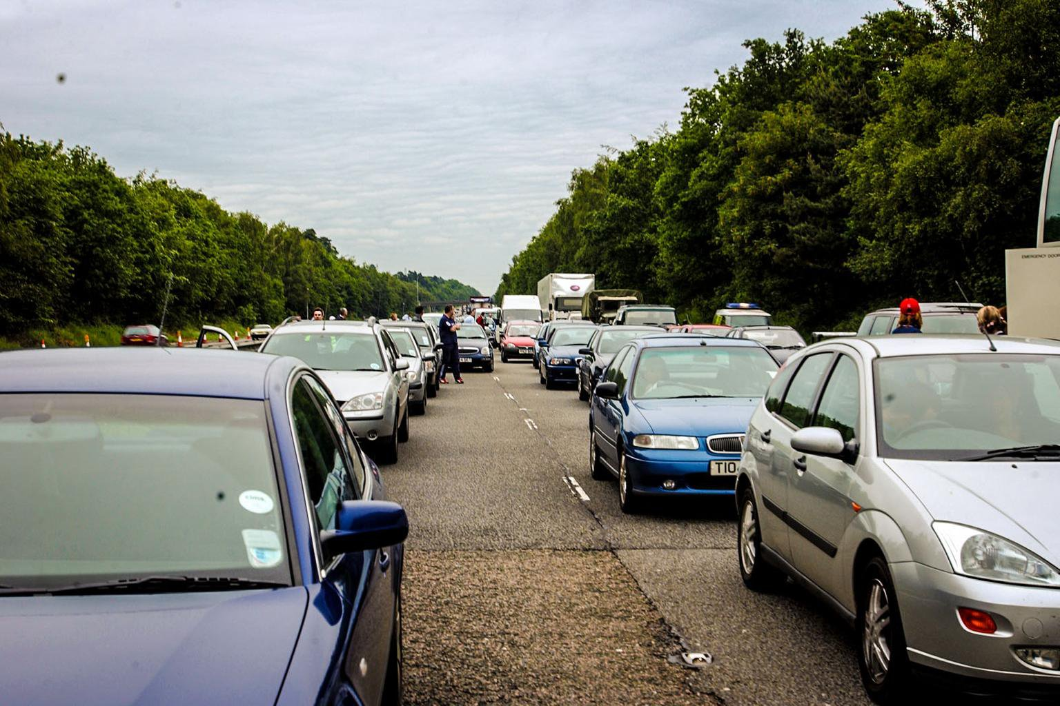 Top tips for surviving the bank holiday holiday traffic rush