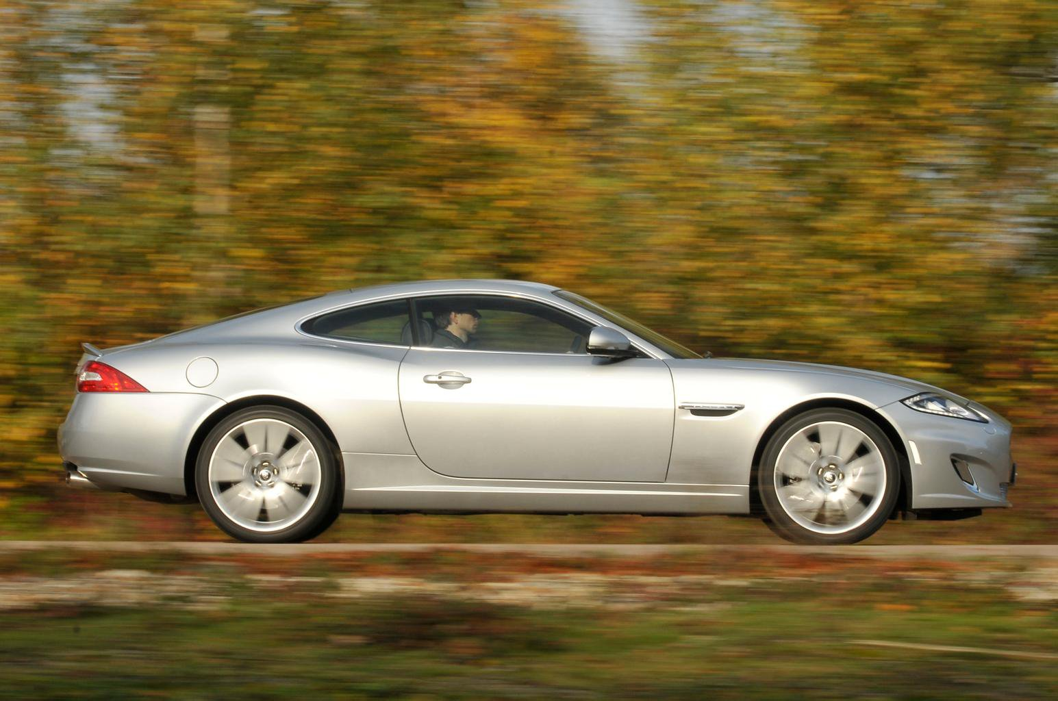 Used test: BMW 6 Series Coupe vs Jaguar XK