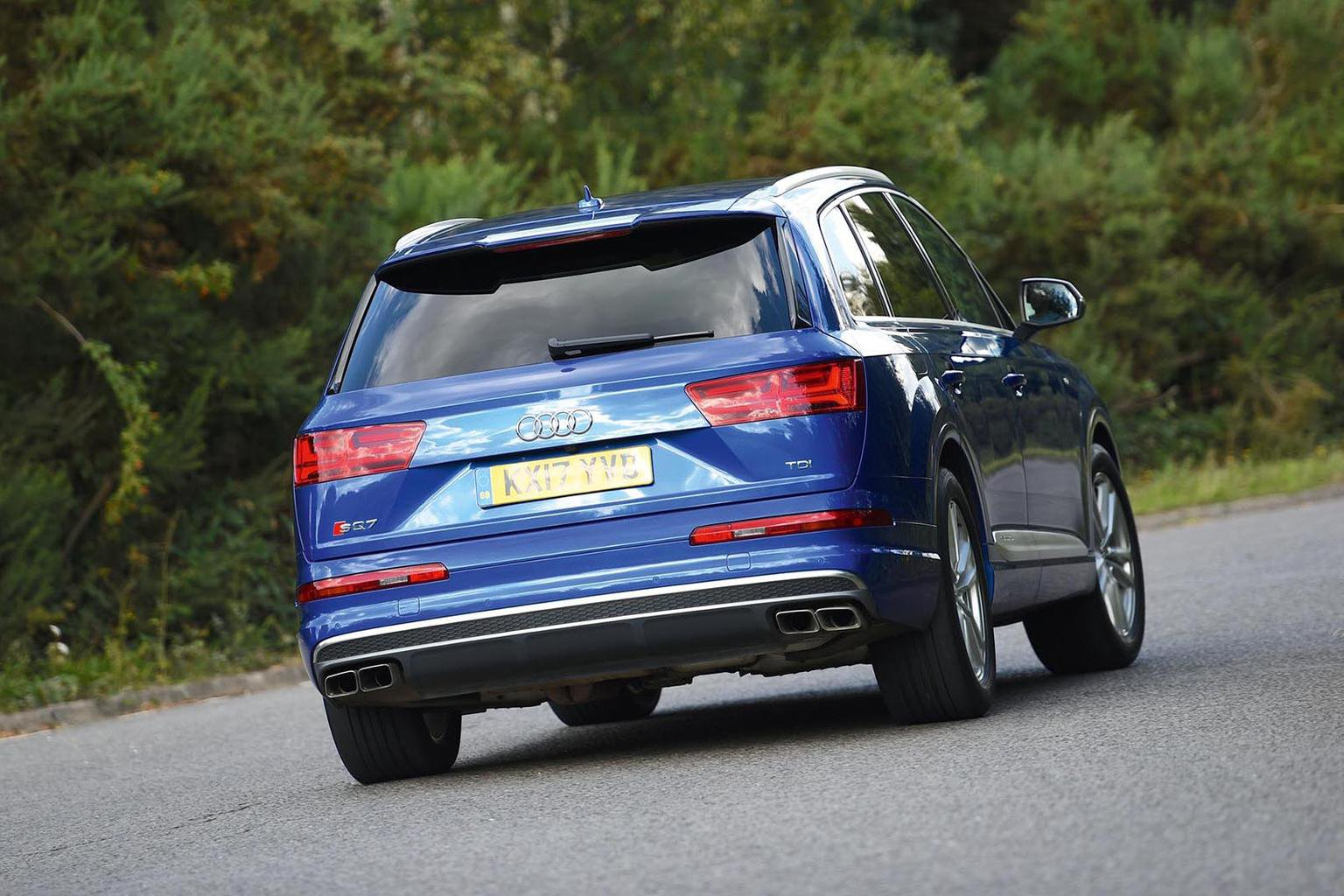 New Range Rover Velar & Audi SQ7 vs BMW X6