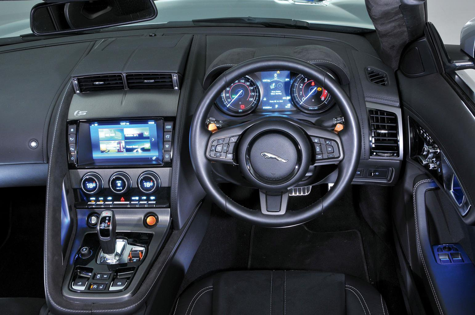 Jaguar F-Type Convertible vs Mercedes SL