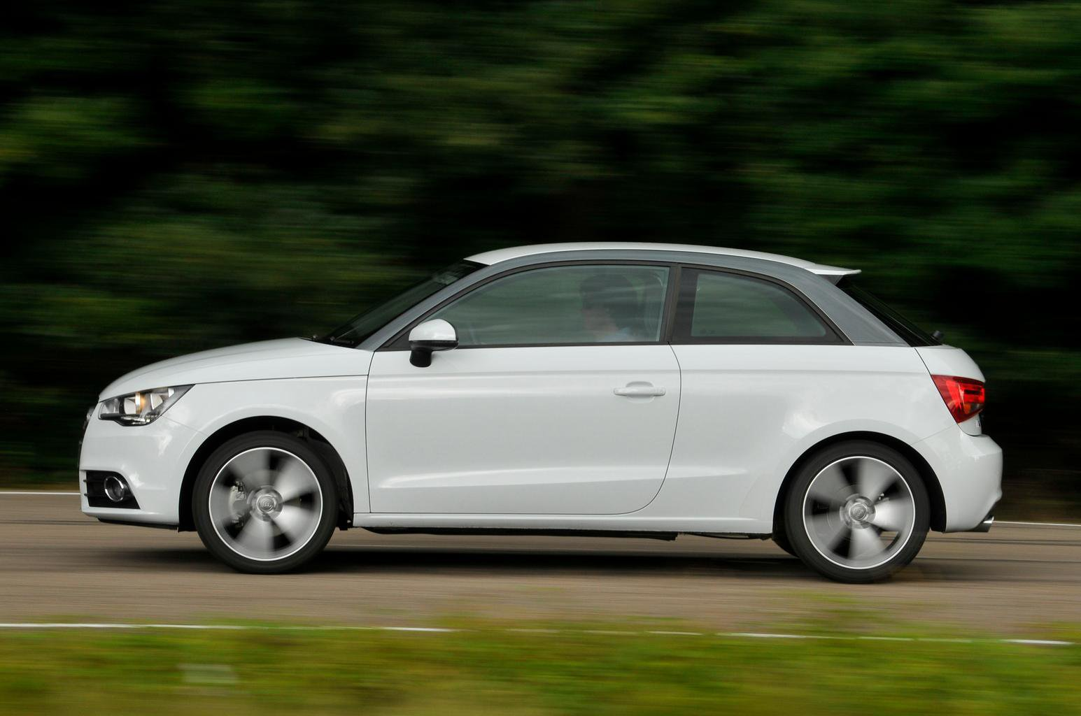 Mini One vs Audi A1