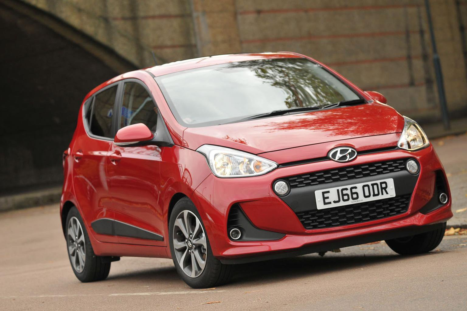 New Hyundai i10 vs Volkswagen Up