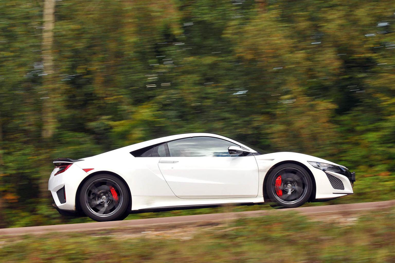 New Honda NSX vs Audi R8