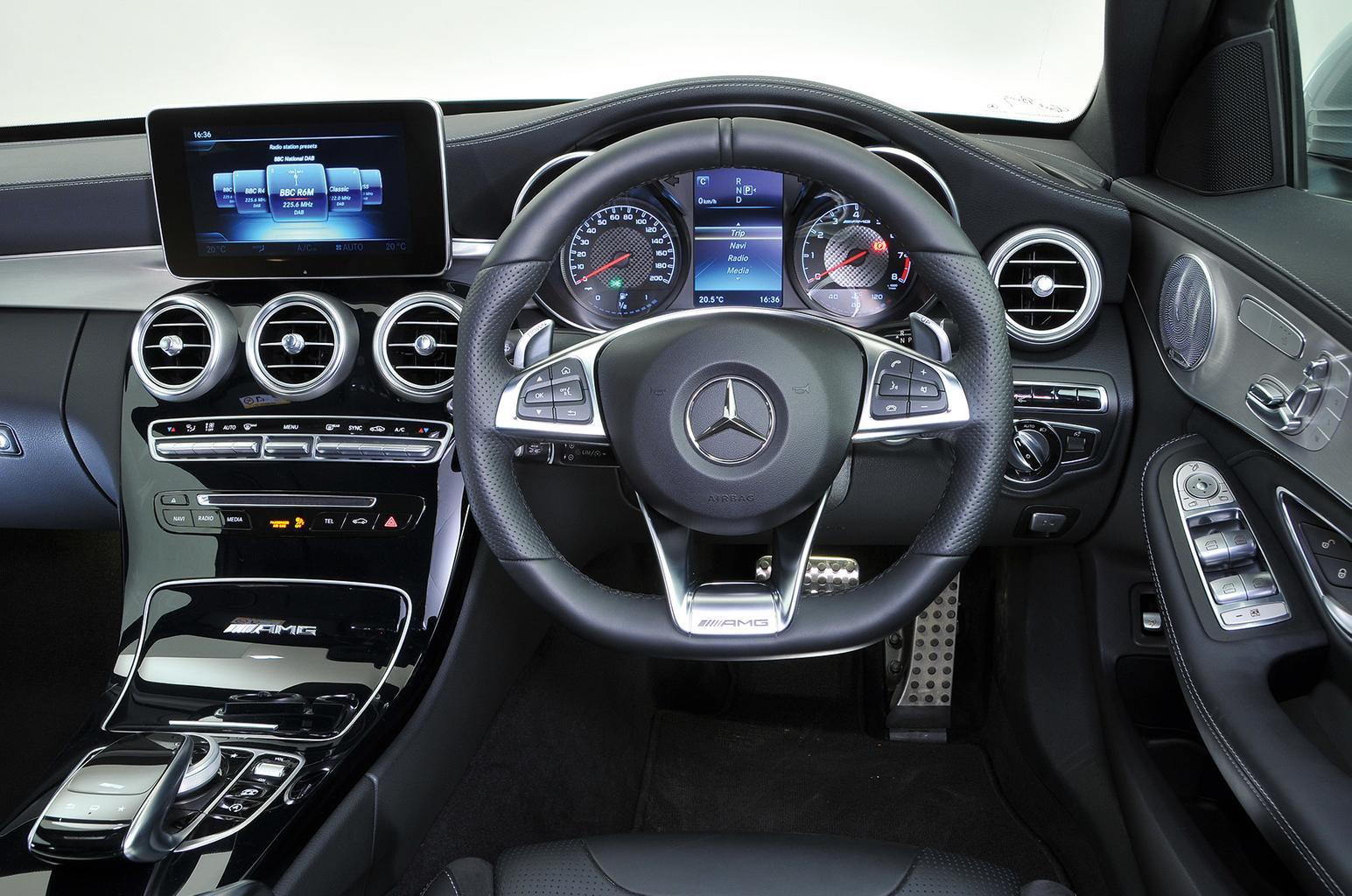 BMW M3 vs Mercedes-AMG C63