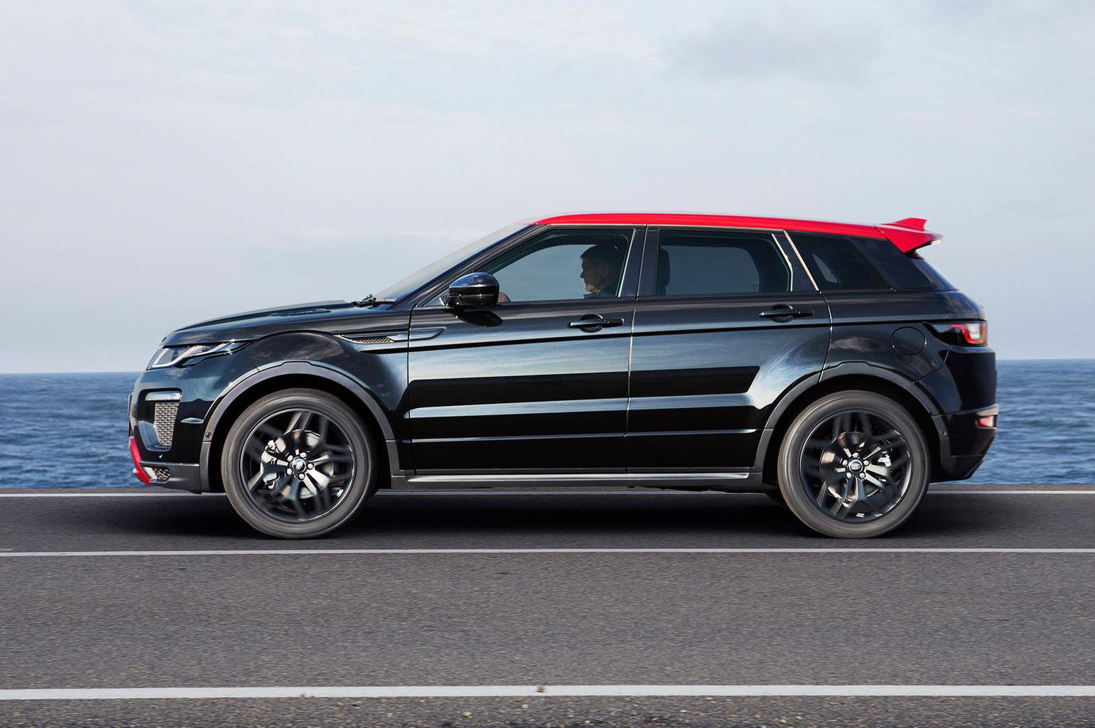 Range Rover Evoque updated for 2017 model year