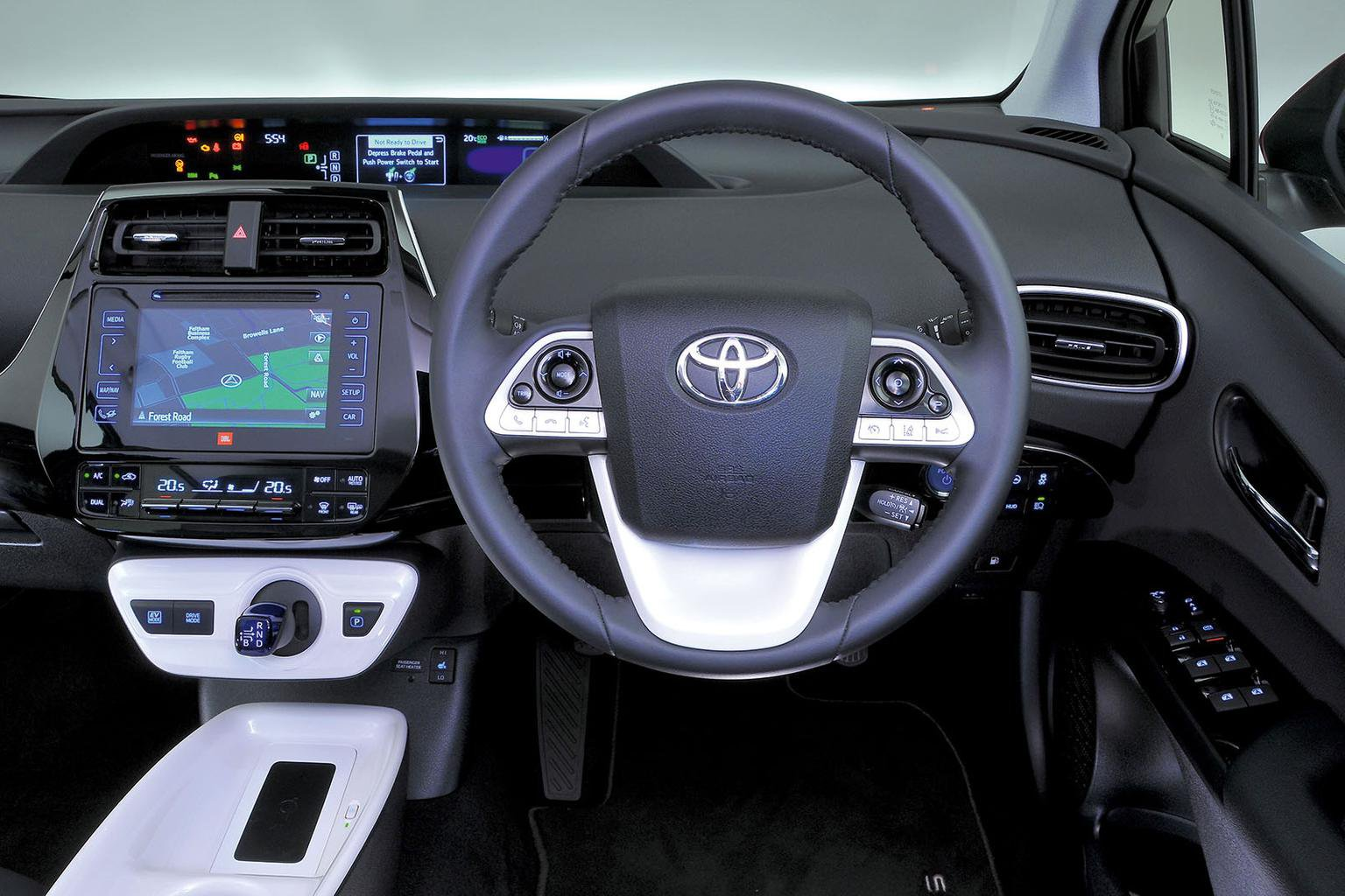 New Hyundai Ioniq vs Toyota Prius