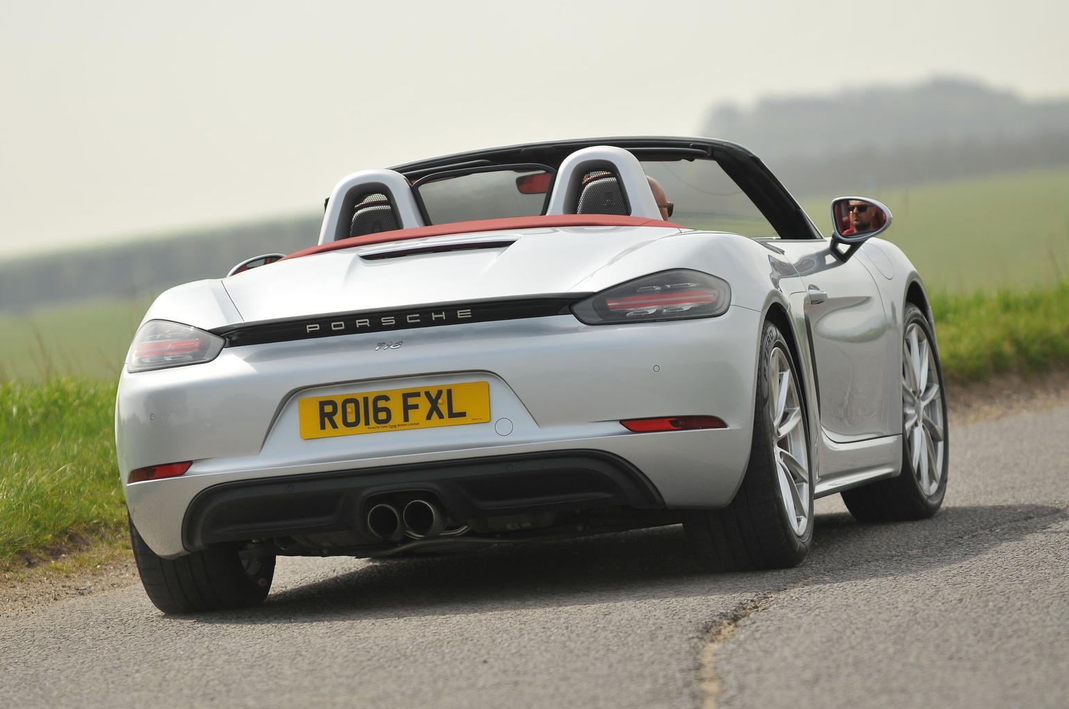 Porsche 718 Boxster S vs Audi TTS Roadster
