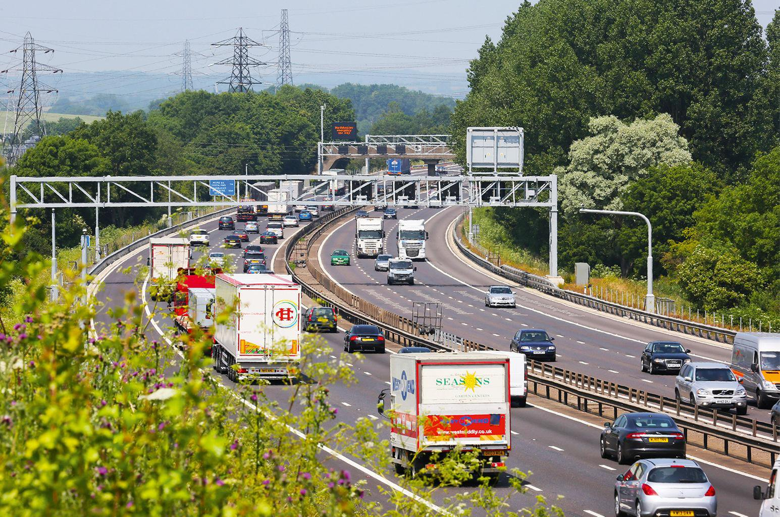 Motorways to get traffic lights to beat congestion