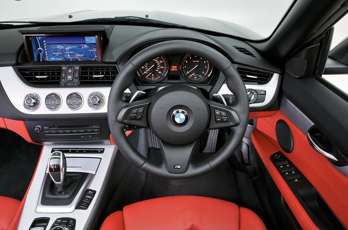 Audi TT Roadster vs BMW Z4