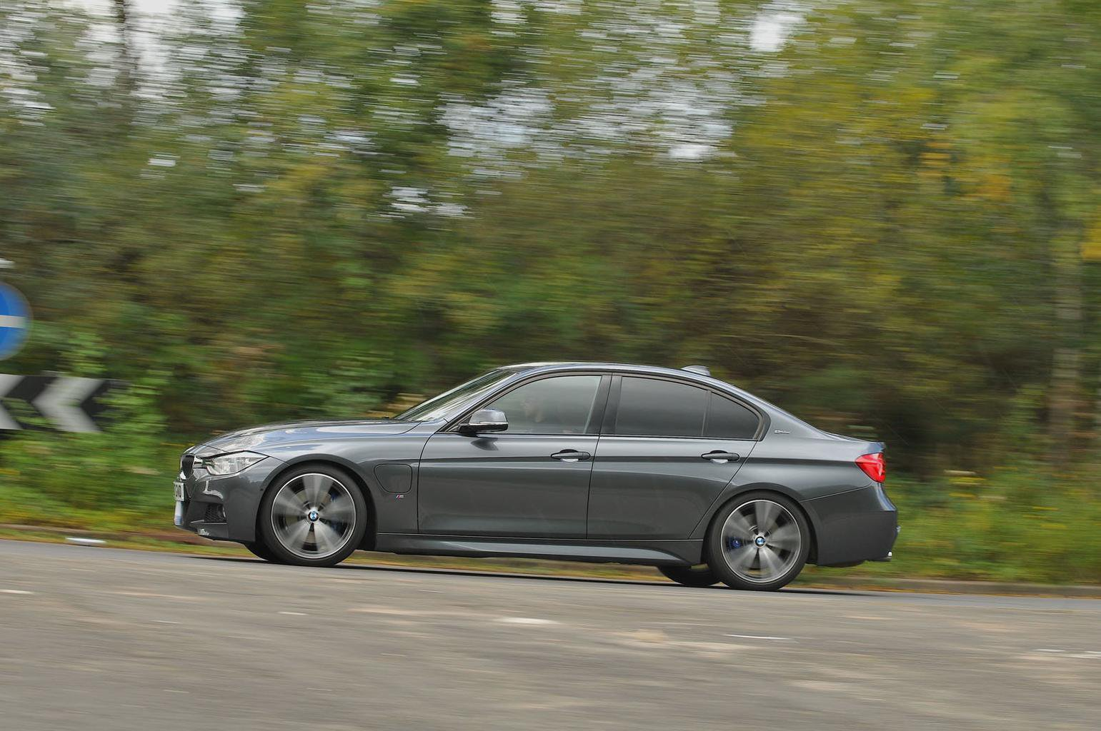 2017 BMW 3 Series 330e review - price, specs and release date