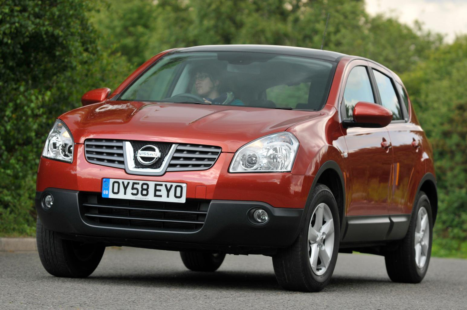 Used test: Peugeot 3008 vs Nissan Qashqai